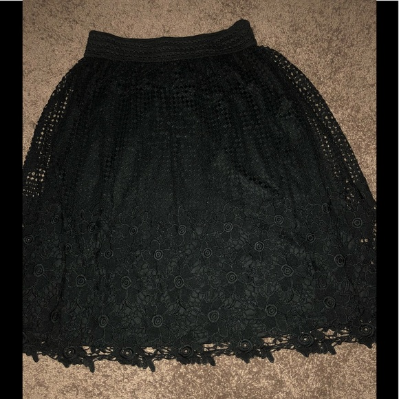 J Gee Dresses & Skirts - Black, fully lined, crochet lace floral skirt